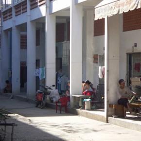 sonja_spruit_vietnam_housing_inner_street