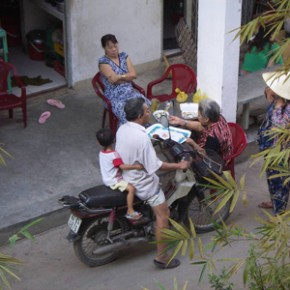 sonja_spruit_vietnam_housing_meeting