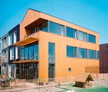 houten familiehuis